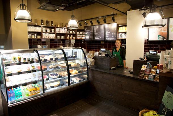 Nová kavárna Starbucks se nachází na I. P. Pavlova v Praze 2