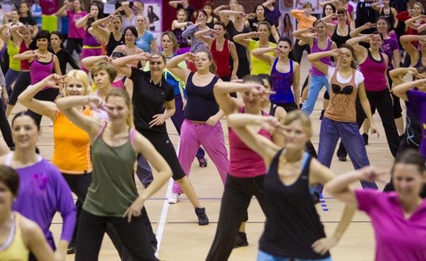 Capro team show trochu jinak: Giga Víkend představí  skvělé lektory a oblíbené cvičební styly