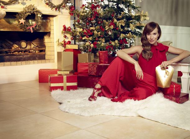 Táňa Pauhofová přeje všem zákazníkům Avonu veselé Vánoce!