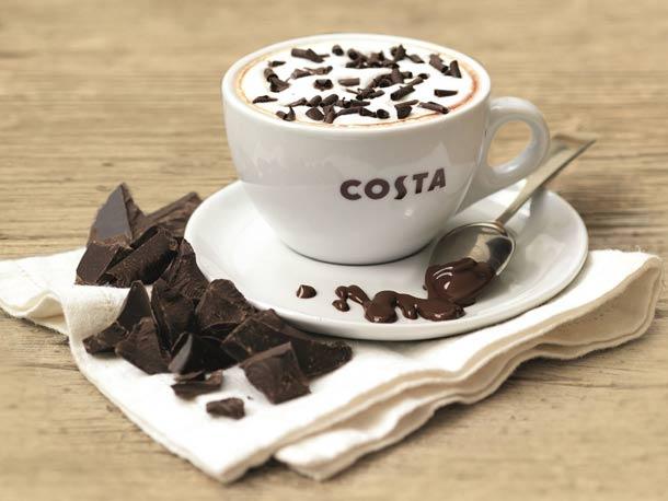 Sametově hebká horká belgická čokoláda v Costa Coffee