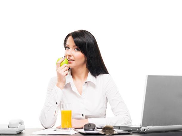 Lidé ve městech více dbají na stravování. Zkonzumují více ovoce a zeleniny než na vesnicích.