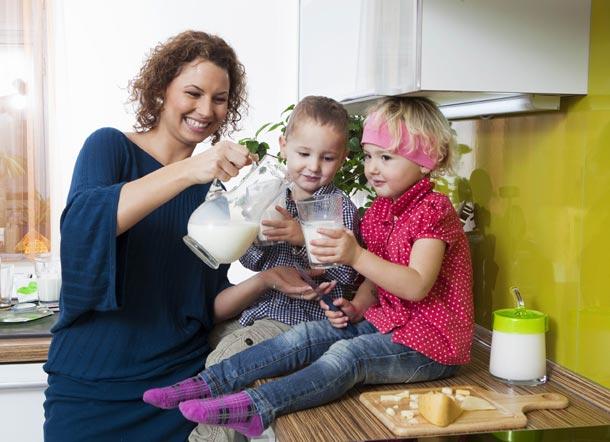 Je přínosnější mléko, nebo sójové a podobné rostlinné alternativy?