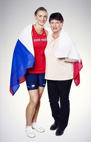 """Barbora Špotáková společně s maminkou jsou ambasadory pokračováníglobální kampaně Procter & Gamble """"Děkuji, maminko"""""""