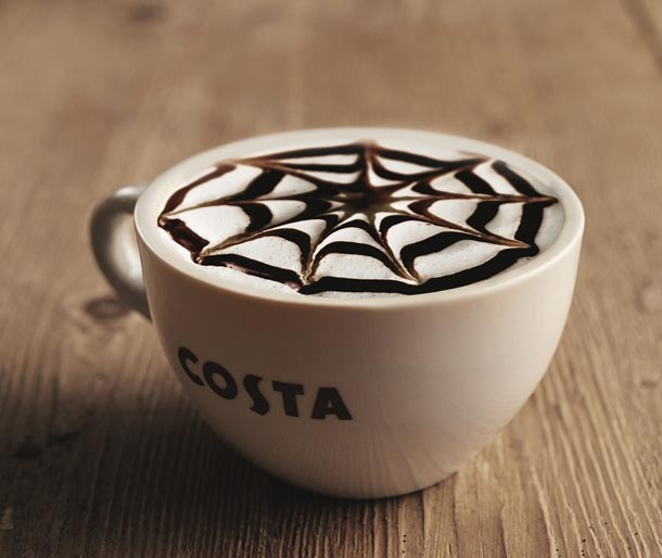 Roasted almond cappuccino v Costa Coffee