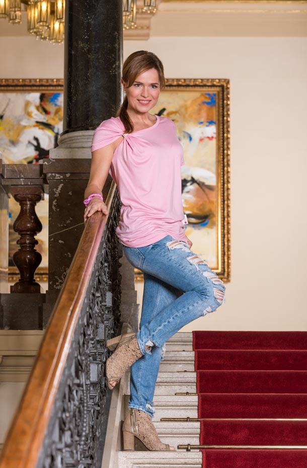Olga Šípková, Avon