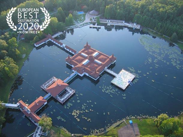 Maďarský Hévíz byl nominován mezi TOP 20 nejlepších evropských destinací