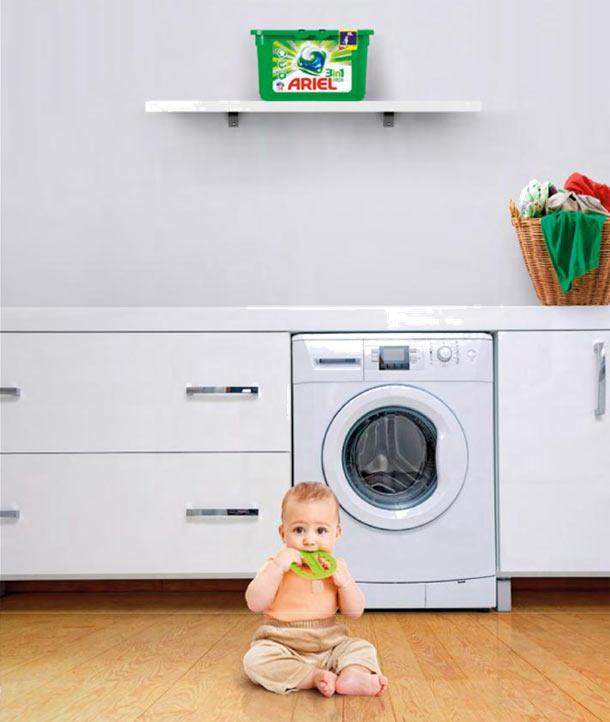 Ariel podporuje bezpečné používání balení kapslí na praní