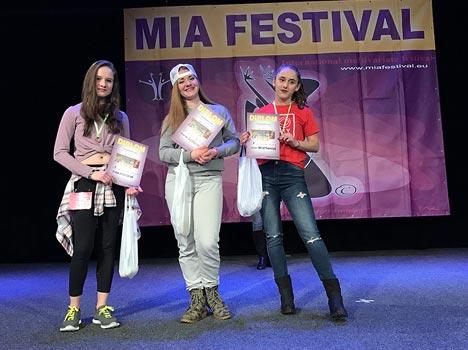 Fotografie vítězů MIA FESTIVAL z finále One In Group v Otrokovicích